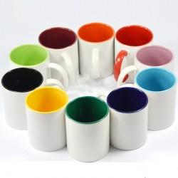 Kolorowy kubek z nadrukiem